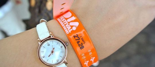 Inscription sur bracelets en silicone