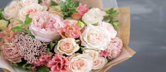 Quelles couleurs et quels bouquets de fleurs offrir pour un anniversaire